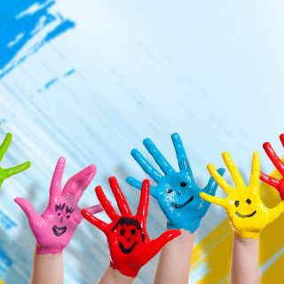 hands_paint_children_happiness_positive_smile_92895_1920x1200